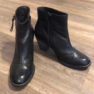 Paul Green Black Leather Ankle Booties